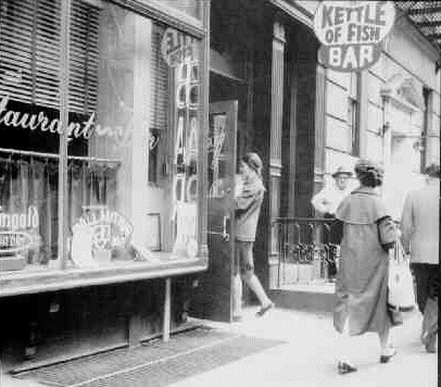 The Kettle of Fish was located at 114 MacDougal Street from 1950 to 1986. Image via Ephemeral New York.