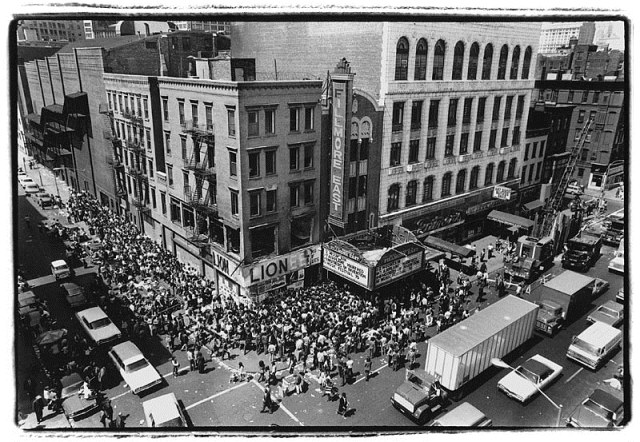 Crowd for CSNY tkts