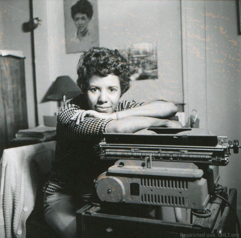 Lorraine Hansberry at her typewriter in her Greenwich Village apartment. Photo by David Attie. David Moses Attie (1920-1983) photographed Hansberry to accompany a 1960 Vogue magazine article. One of the images in the series is part of the collection of the National Portrait Gallery, Smithsonian Institute. Via http://lhlt.org/gallery/lorraine-home