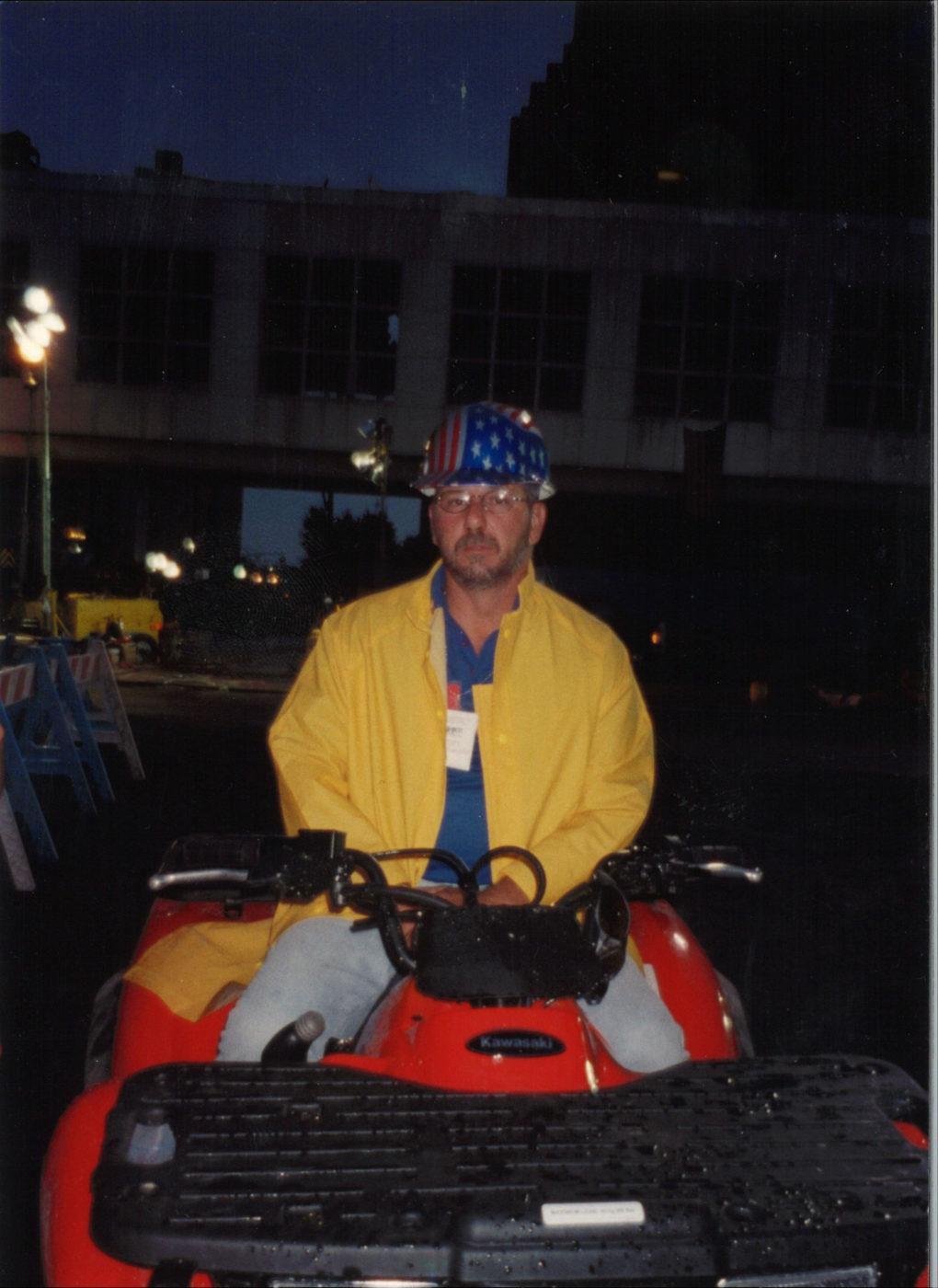 Worker at Ground Zero (5)