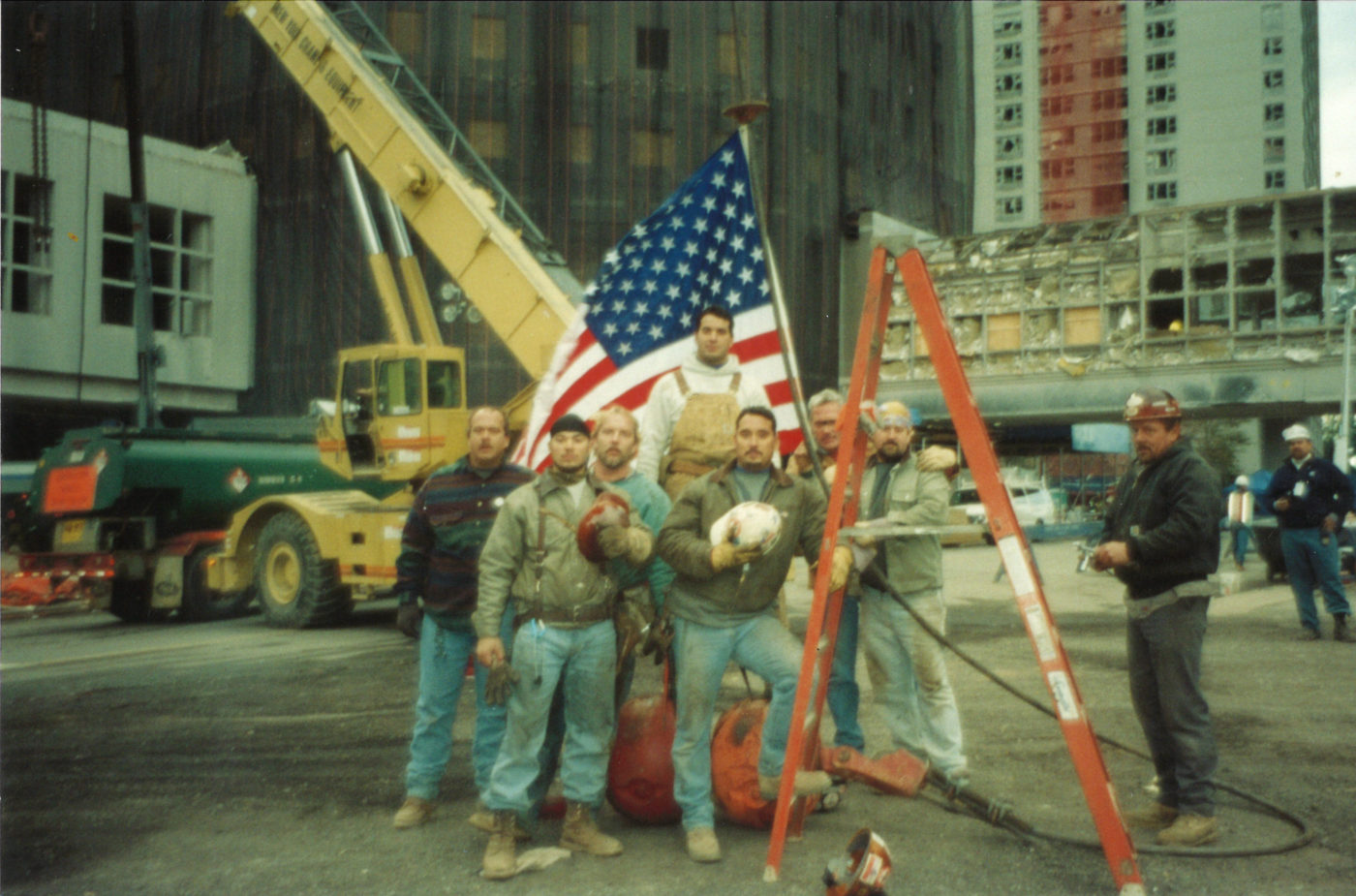 Workers at Ground Zero (2)