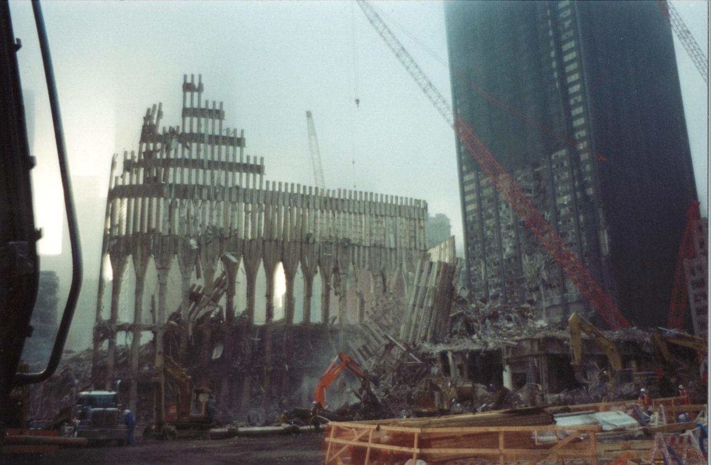 Crane Lifting on WTC Exoskeleton infront of Deutsche Bank Building
