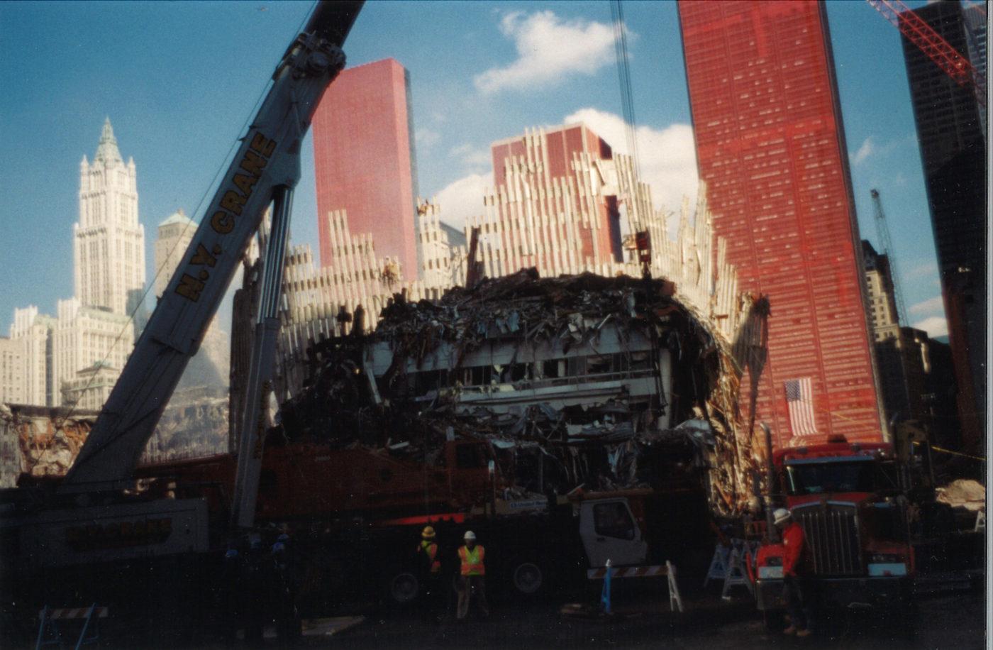 N.Y Crane Working on Destroyed Tower