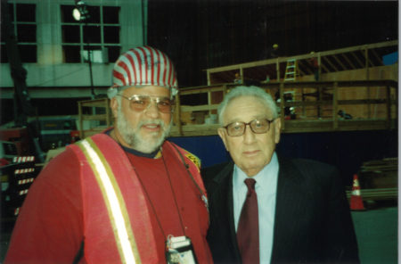 Unknown Worker with Henry Kissinger (r.) at Ground Zero