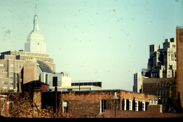 View northeast from High Line between 13th and Little West 12th Street looking towards the Empire State Building.jpg